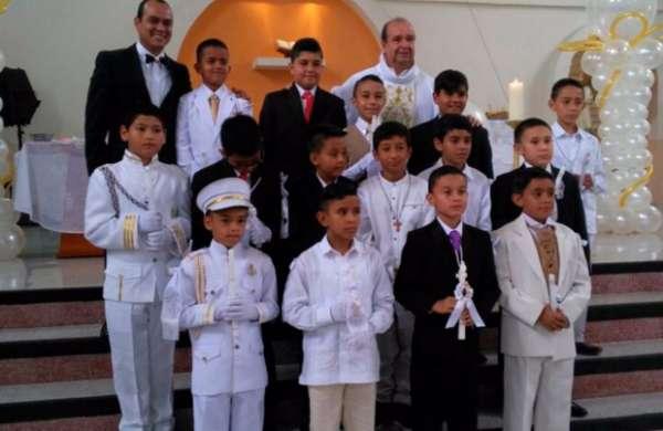 Primera comunión del niño Simón Osorio Soto